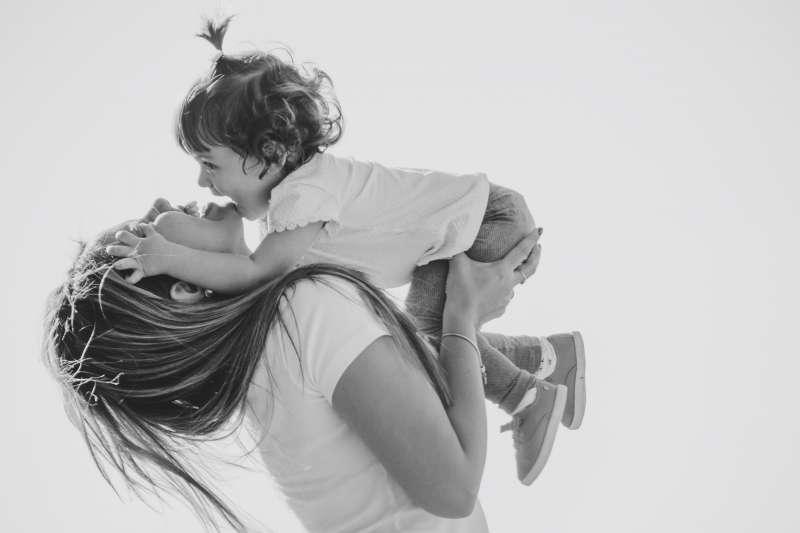 還記得媽媽一直以來無私的照顧嗎?(Photo by Ana Francisconi on Unsplash)