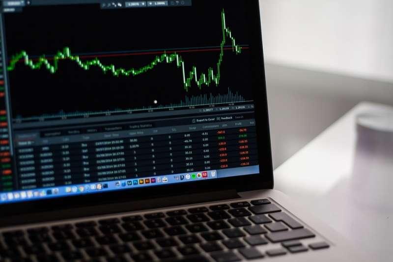 茫茫股海,不知從何買起,不妨考慮官股概念股,打造自己的官股樓。(示意圖/ StockSnap @pixabay)