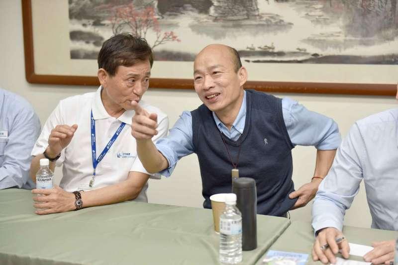 圖為高雄市長韓國瑜(中)與勞工代表進行座談會。(高雄市政府提供)