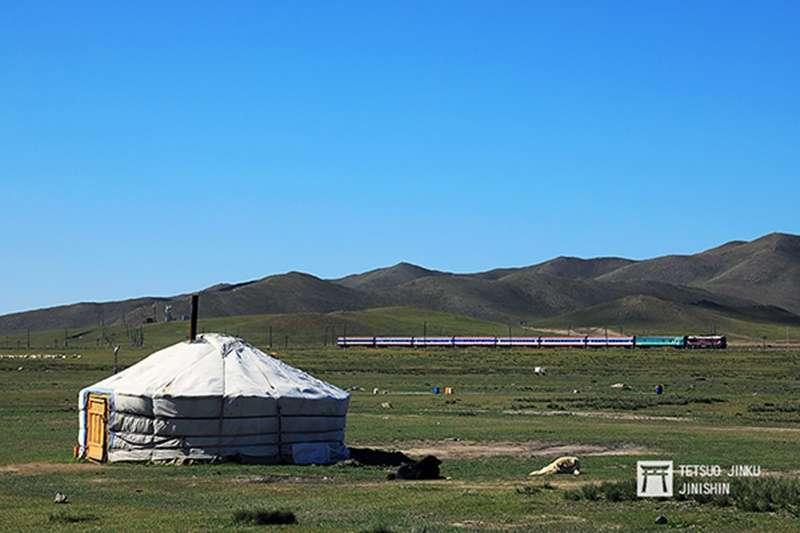 蒙古縱貫鐵道,幾乎佔了蒙古80%的貨物運輸,以及30%的旅客運輸。(圖/想想論壇)