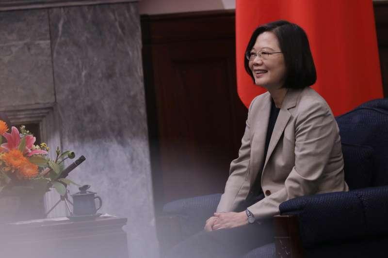 20190425-總統蔡英文25日上午接見美國智庫「新美國安全中心」(CNAS)之「下一世代國安領袖計畫」(Next Gen)訪問團。(取自總統府@Flickr)