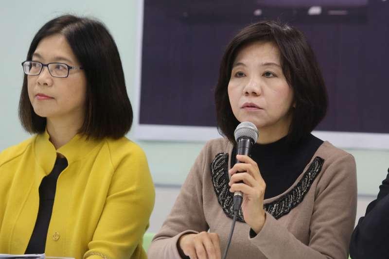 台南第1選區4搶1,尋求7連霸的葉宜津(右)遭遇空前挑戰。(柯承惠攝)
