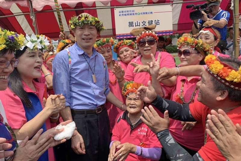針對4千萬競選經費一事,高雄市長韓國瑜今(27)日表示,有國民黨主席吳敦義介紹的一些企業捐款,會計師很快會公布。(高雄市政府提供)