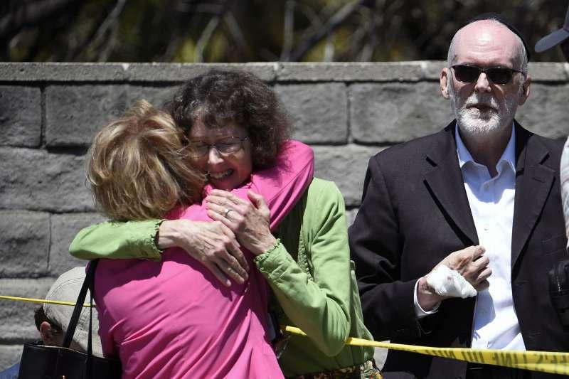 2019年4月27日,美國加州波威(Poway)的「波威哈巴德」(Chabad of Poway)猶太教會堂發生槍擊案,1死3傷(AP)