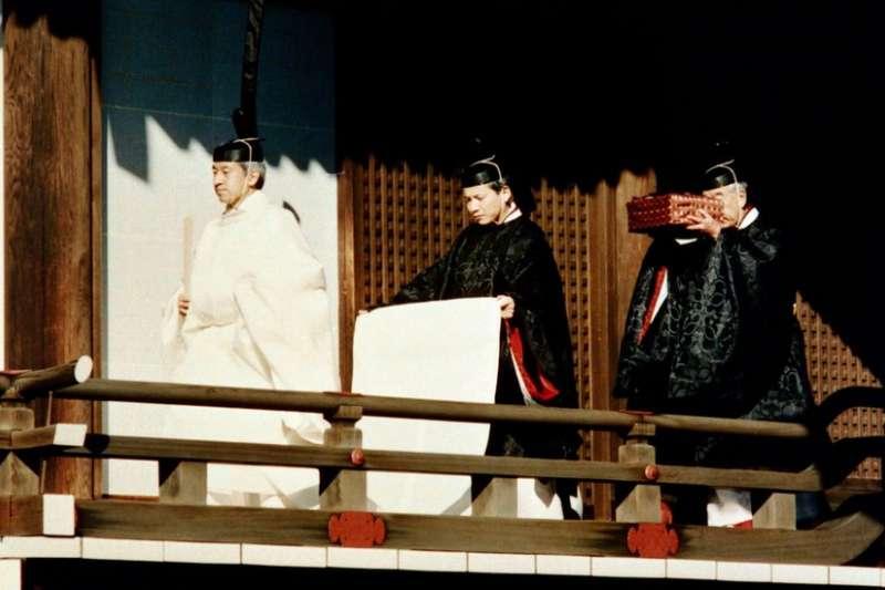 這些神器在日本天皇登基儀式中扮演重要角色,但從來不會公開展示。(BBC中文網)