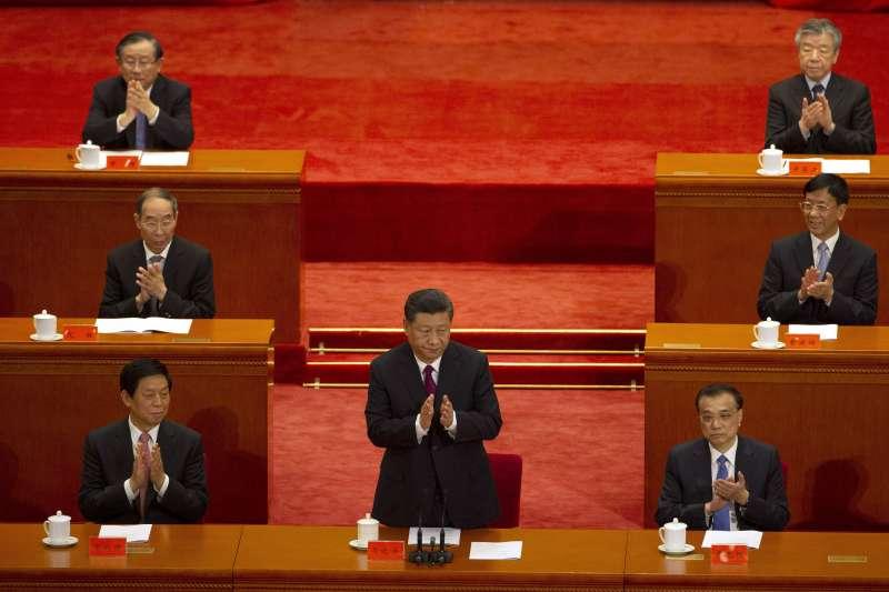4月30日,中國為五四運動一百周年舉行紀念大會。中國國家主席習近平把五四精神定義為愛國精神,勉勵青年為國家爭光。(AP)