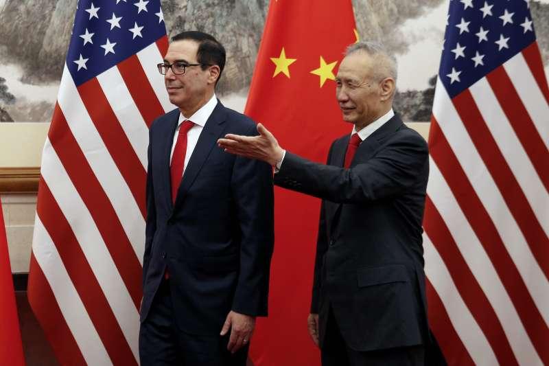 2019年5月1日,美國財政部長馬努欽與中國中國國務院副總理劉鶴(AP)