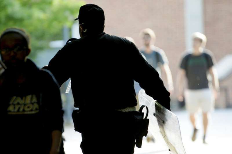 北卡羅萊納州大學夏洛特分校4月30日發生槍擊案,至少2死4傷,嫌犯已經落網,但犯案動機目前仍不明朗。(美聯社)