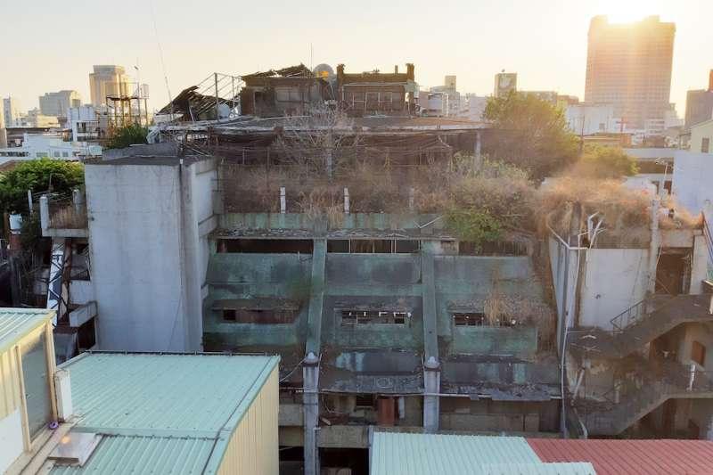 台中市領有使用執照建築基地範圍內部分土地申請建築處理原則,今年頒布實行可以加速老舊建物重建。(圖/臺中市政府提供)