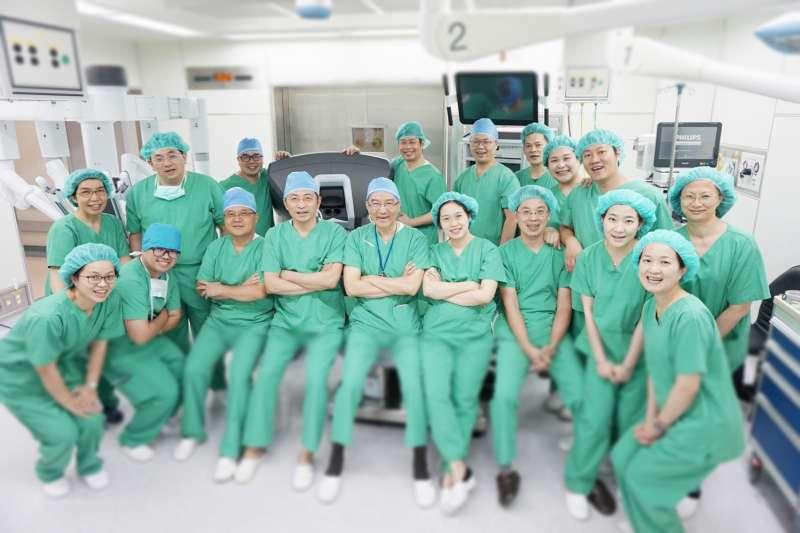 新竹馬偕達文西微創手術團隊,已於4月完成首例達文西婦科手術。(圖/新竹馬偕醫院提供)