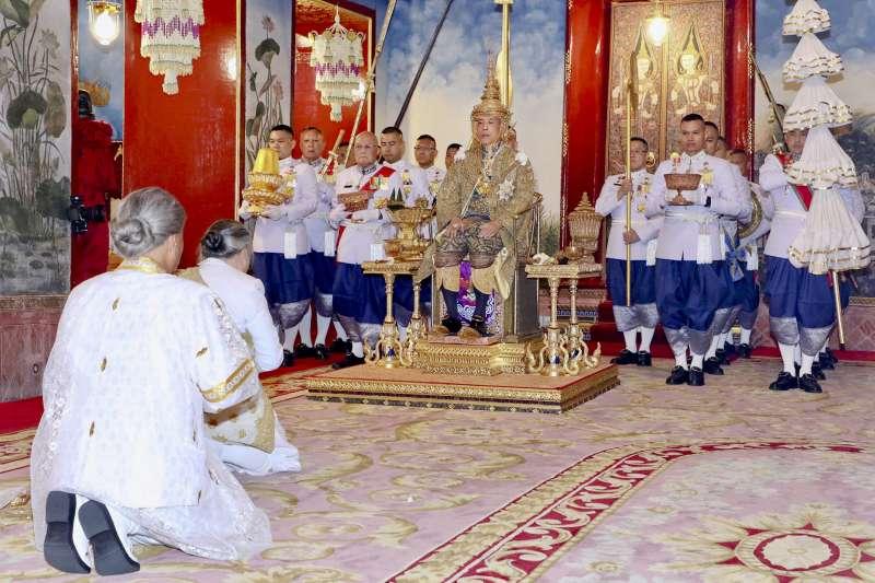 2019年5月4日,泰國國王「拉瑪十世」瓦吉拉隆功加冕儀式。(美聯社)
