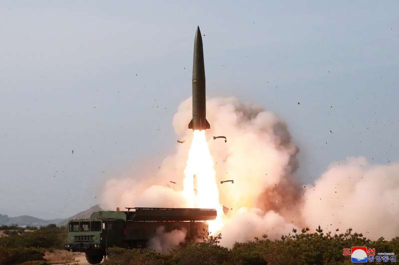 2019年5月4日,北韓(朝鮮)從江原道元山朝東北方向發射「戰術制導武器(即短程飛彈)」(AP)