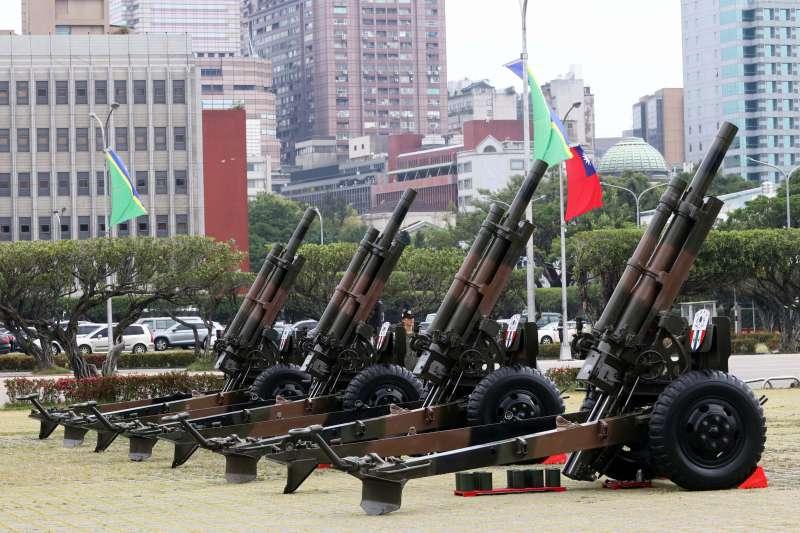 從瓜國總統訪台...想到昔禮砲烏龍22響!軍禮迎外賓原來有這些眉角,選總統府、中正紀念堂前挑戰大不同-風傳媒