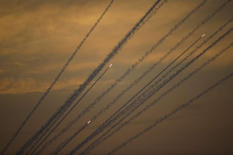 2019年5月,以色列與加薩走廊激進組織「哈瑪斯」再度爆發衝突,哈瑪斯密集發射火箭(AP)
