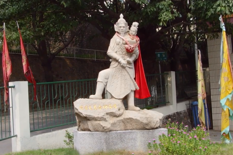 陸秀夫帶著8歲小皇帝自殺,十幾萬的軍民也跟著跳下去了…(圖/維基百科)
