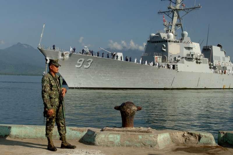 阿利伯克級驅逐艦「鍾雲號」(USS Chung-Hoon, DDG-93)。(美國海軍官網)