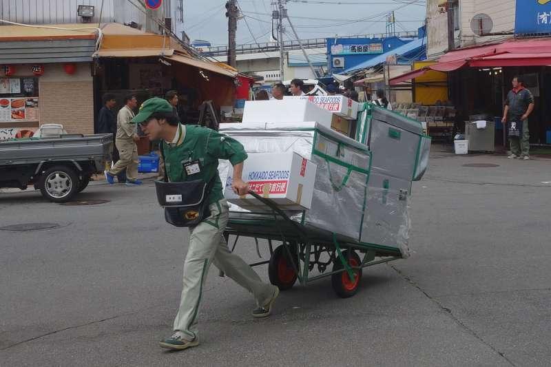 日本本國勞動力每年減少70萬人,因此修法廣納外國人赴日。(林瑞慶攝)