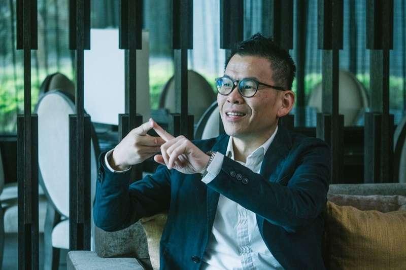 授課經驗將近20年的口語表達講師王介安,分享如何運用談判將事情導向你所期望的方向!(圖/Hahow好學校提供,Photo Credit: Anting Da)