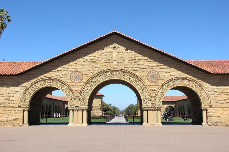 stanford university  美國史丹佛大學 (取自pixabay)
