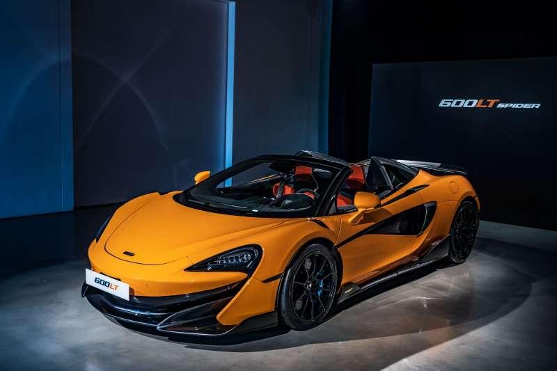 全新McLaren 600LT Spider結合Coupe車型的極致賽道性能,與敞篷車型向上無限延伸的駕馭樂趣。(圖/McLaren提供)