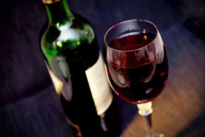 如何泡製 壯陽 藥酒 | 別再說1天2杯紅酒有助心血管啦!喝酒危害比你想得更大:失智、食道癌…只會越喝越短命