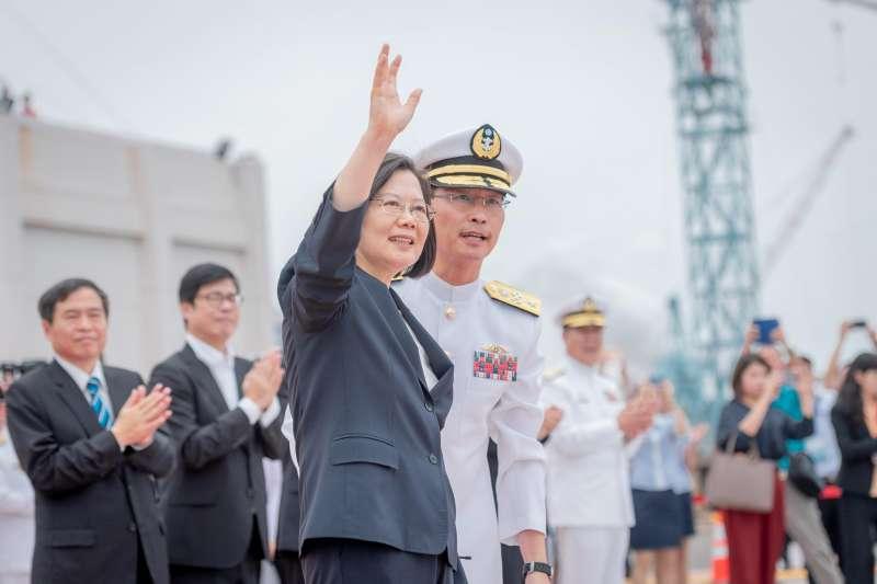 20190509-總統蔡英文9日出席潛艦國造動土典禮,致詞中強調,此讓台灣堅持國防自主決心更被國際社會看見。(取自蔡英文臉書)