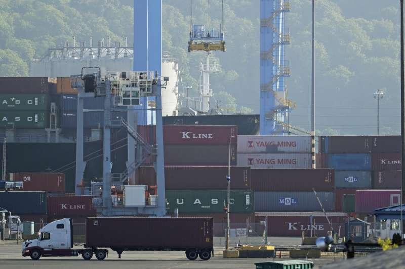 2019年中美貿易戰,美國總統川普祭出高額關稅,威脅中國經濟發展(AP)