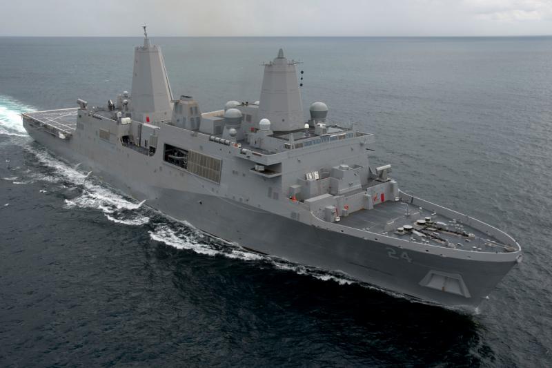 美國海軍「阿靈頓號」(USS Arlington)兩棲船塢登陸艦(LPD)(US Navy)
