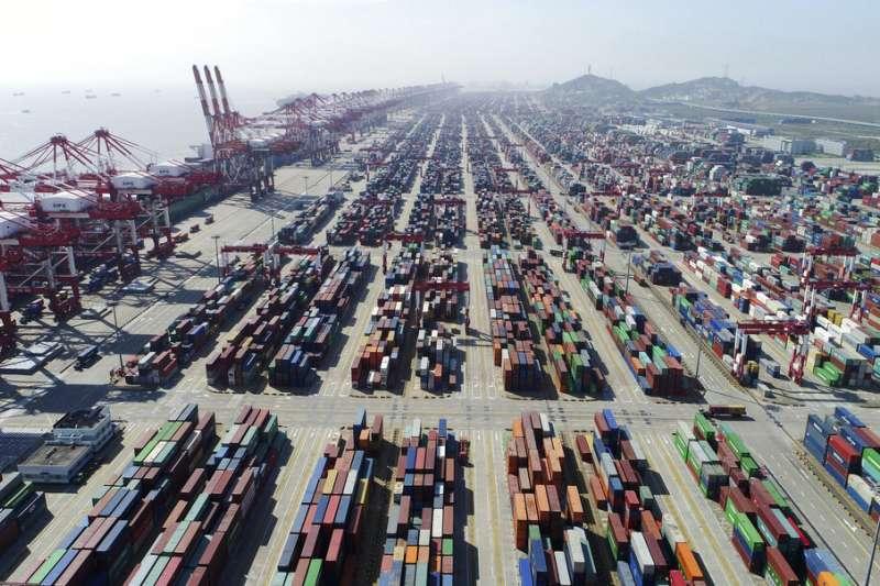 上海的貨櫃碼頭。(美聯社)