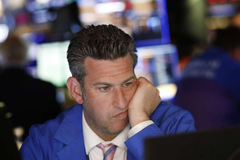 2019年8月5日堪稱黑色星期一,人民幣匯率貶破7,直接導致美股暴跌(AP)