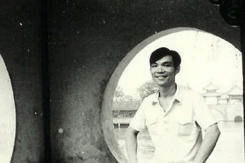 圖6,林毅夫攝於揚州瘦西湖。(李建興提供)