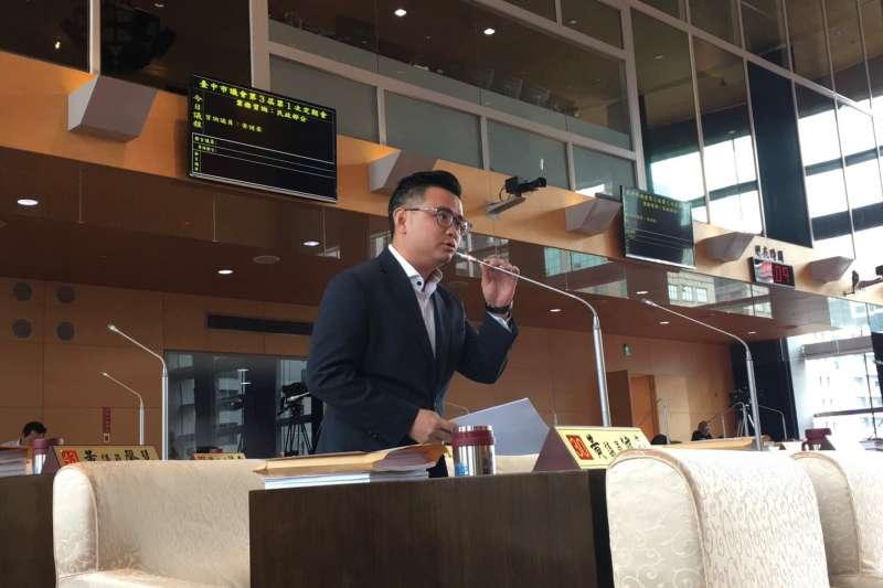 紙風車台中拒演風波延燒 藍議員:盧秀燕上任後已演過9場,為何突然就有爭議?-風傳媒