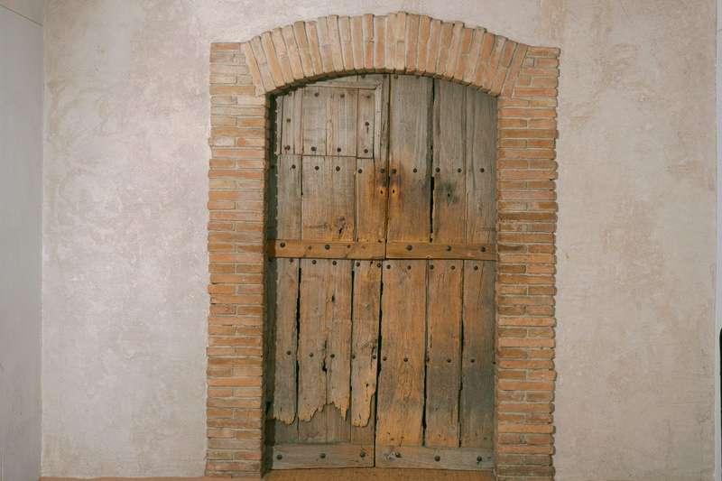 杜象(Marcel Duchamp)的最後一件作品《Étant donnés》外觀。 藏於費城美術館。(林意凡提供)