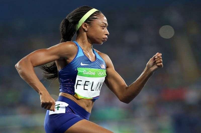 拿下6面奧運金牌的田徑女將費利克斯,近期在美國國會探討黑人產婦的健康危機。(美聯社)