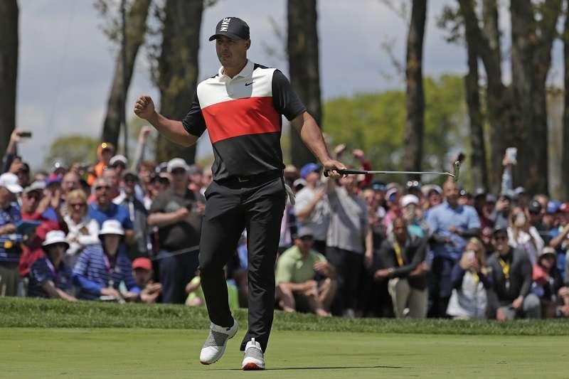 PGA錦標賽衛冕冠軍科普卡首輪繳出平紀錄的63桿,暫時位居第一。 (美聯社)