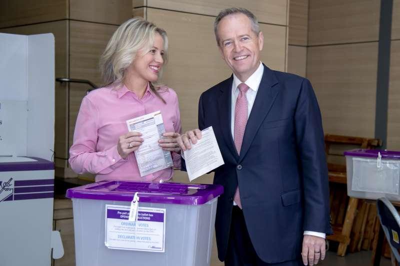 2019年5月18日,澳洲國會大選投票,蕭頓(Bill Shorten)領導的反對黨工黨選前看好,卻吞下敗仗(AP)