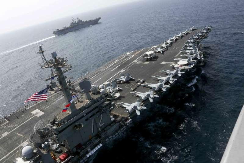 2019年5月,中東地區情勢緊繃,美國海軍林肯號(USS Abraham Lincoln)航空母艦打擊群巡弋波斯灣(AP)