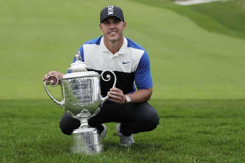 科普卡在PGA錦標賽完成連霸,為伍茲在2007年衛冕後的第一人。 (美聯社)