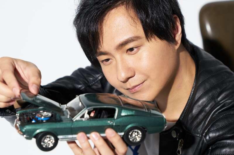 廖怡塵秉持著自己對車的熱愛,成功創業完成夢想!(圖/廖怡塵提供)