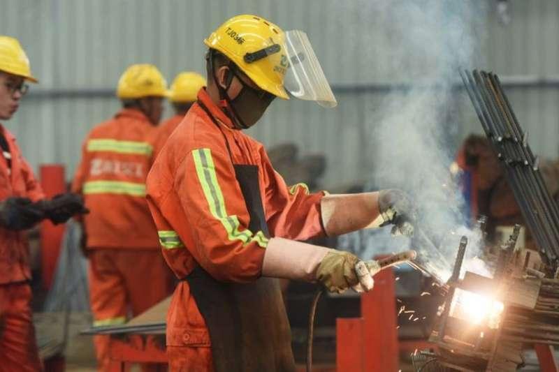 在美國關稅的打擊下,中國境內的製造業可能將產能轉到一些東南亞國家。(BBC中文網)