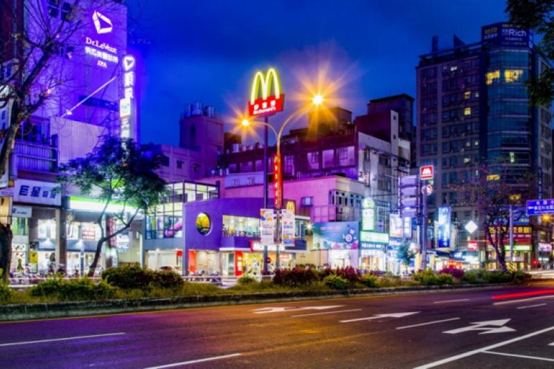「台北國際村」鄰近A8 商圈,生活機能便利。(圖/台北國際村提供)