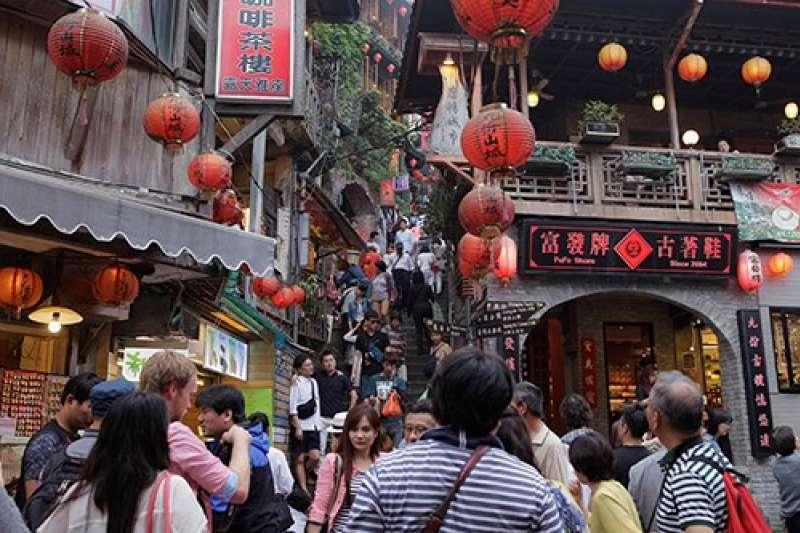 旅行別總是安排出國,台灣大城小鎮都有迷人風貌,春天來個深度之旅,還有春遊專案補助。(圖/交通部觀光局提供)