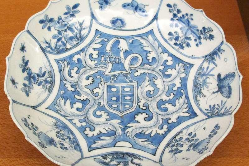 克拉克花口瓷盤,吉美國立亞洲藝術博物館收藏。(取自維基百科)