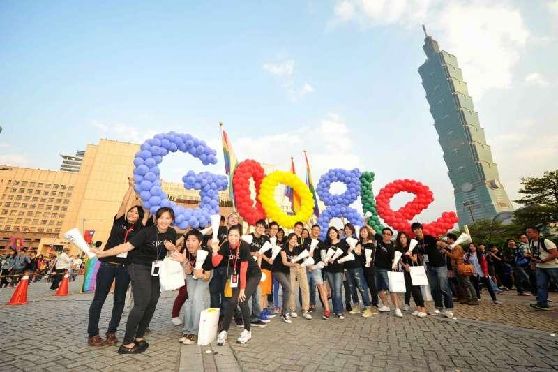 2018年10月底舉行的台灣同志大遊行,Google也組隊參與盛會。(Google台灣提供)