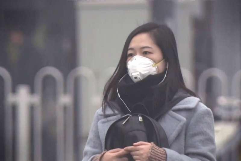 吸入空氣中的塑化劑,對健康會有這些危害!(圖/取自youtube)