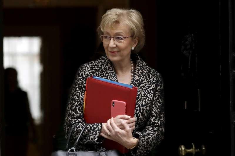 英國首相梅伊宣布將於2019年6月7日辭職,下議院保守黨前領導人利德索姆(Andrea Leadsom)有意角逐大位(AP)