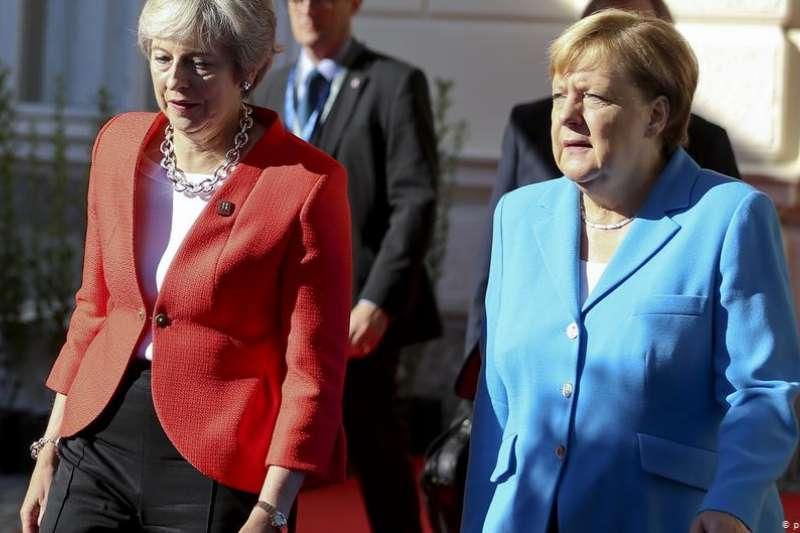 英國首相梅伊與德國總理梅克爾。(德國之聲)