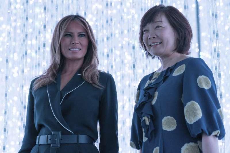 2019年5月26日,美國總統夫人梅蘭妮亞訪問日本,日本首相夫人安倍昭惠接待(AP)
