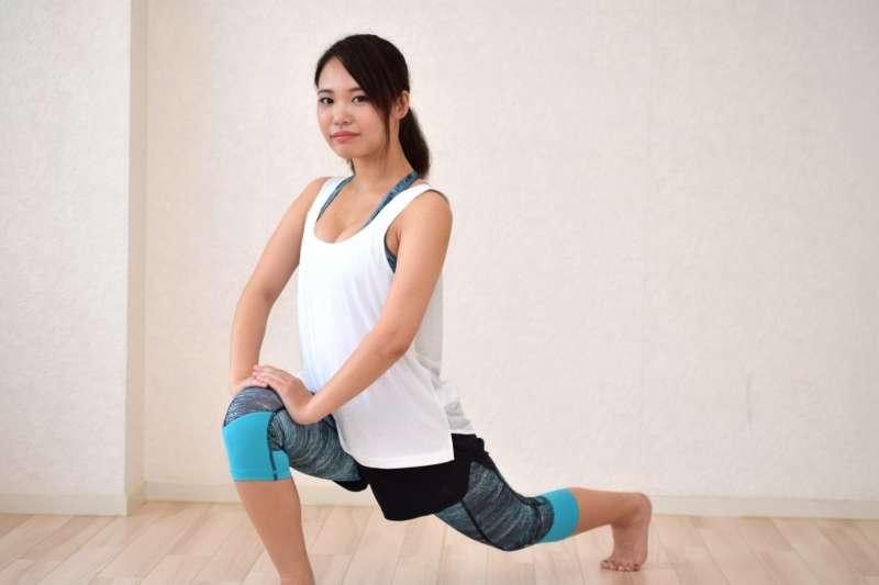 肌肉負重量不足時,最好能做一些重量訓練。(圖/photoAC)
