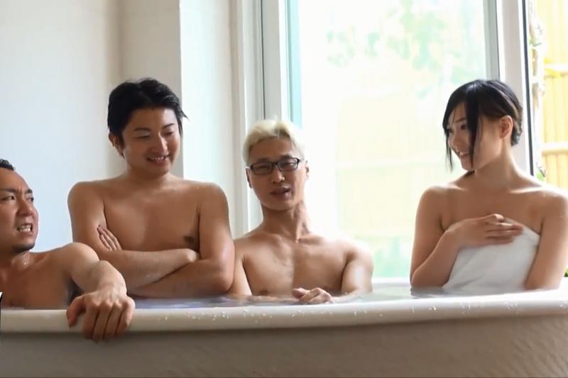 日本男女混浴也ok?(圖/取自youyube)